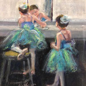 2 Dancers in Green