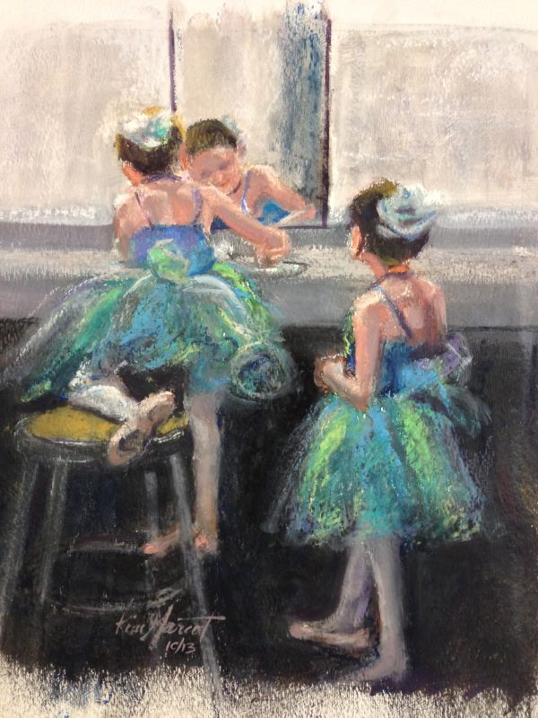 2 Dancers in Green